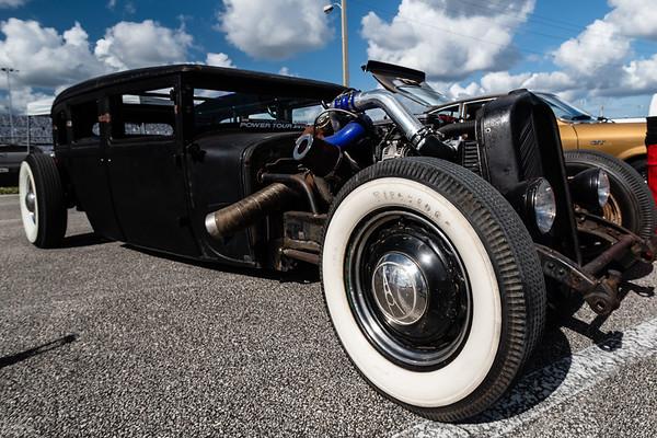 Lake Lloyd Show Cars