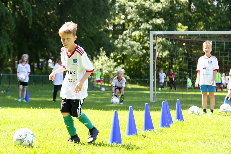 hsv_fussballschule-417_48047955971_o.jpg