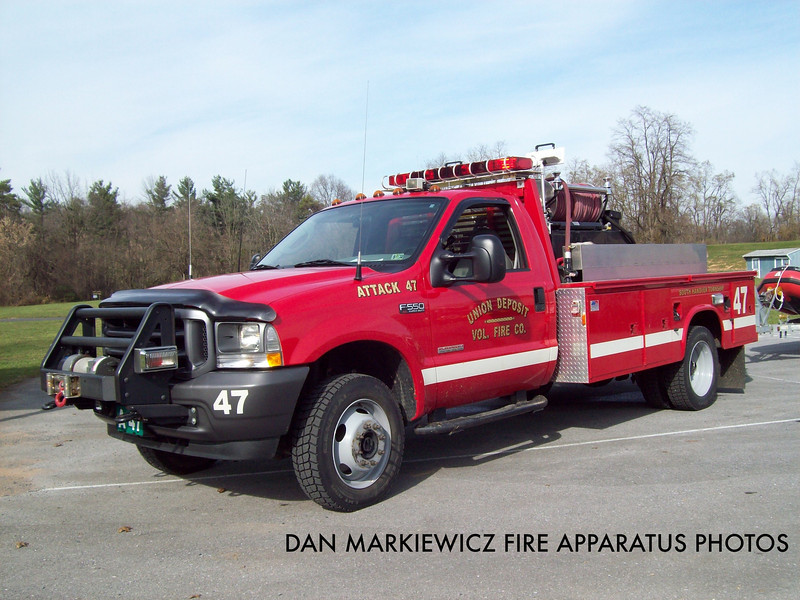 UNION DEPOSIT FIRE CO. ATTACK 47 2003 FORD/READING BRUSH UNIT