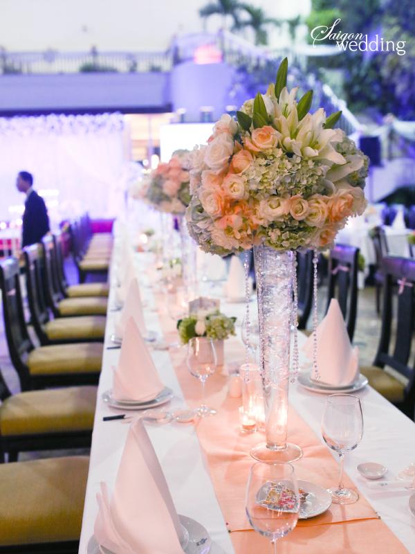 Tiệc cưới lãng mạn tại khu vườn ngoài trời trong xanh 5