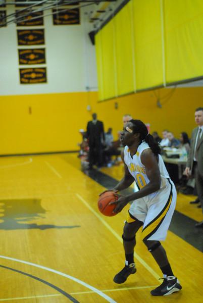20090301_MCC Basketball_5650.JPG