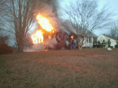 11/26/2011  81 Ferry Road Structure Fire