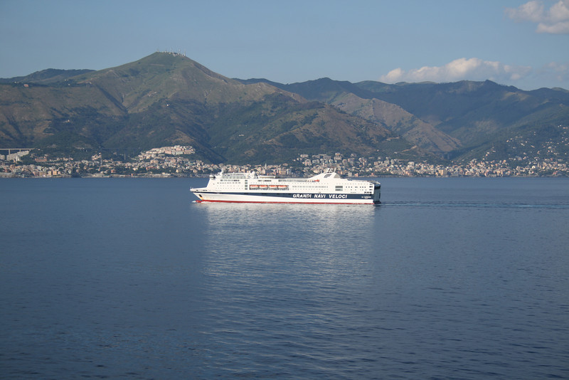 2010 - F/B LA SUPREMA on route to Genova.