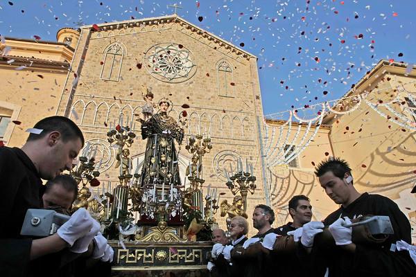 Processione dei ceri di S. Antonio