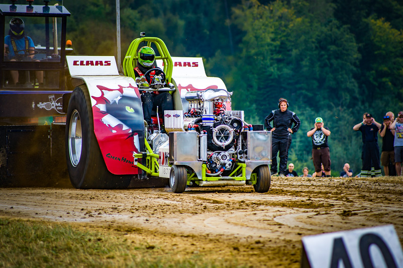 Tractor Pulling 2015-02391.jpg