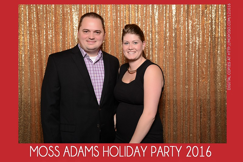 20161216_MOPOSO_Tacoma_Photobooth_MossAdamsHoliday16-15.jpg