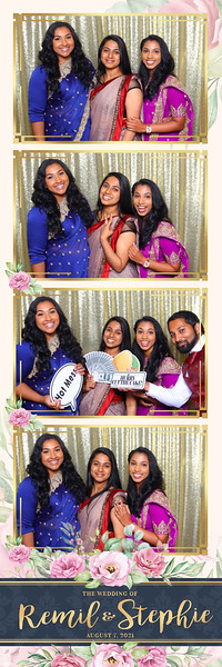 Alsolutely Fabulous Photo Booth 032003.jpg