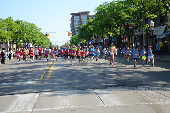2 Mile Run Start - 2014 Oak Apple Run