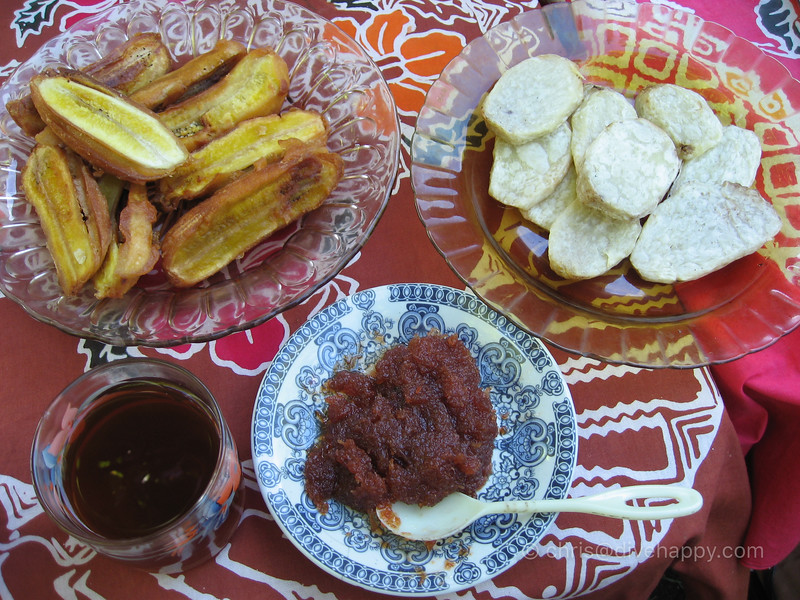 Banda Breakfast: Fried Banana, Cinnamon Tea, Nutmeg Jam, Taro © Chris Mitchell