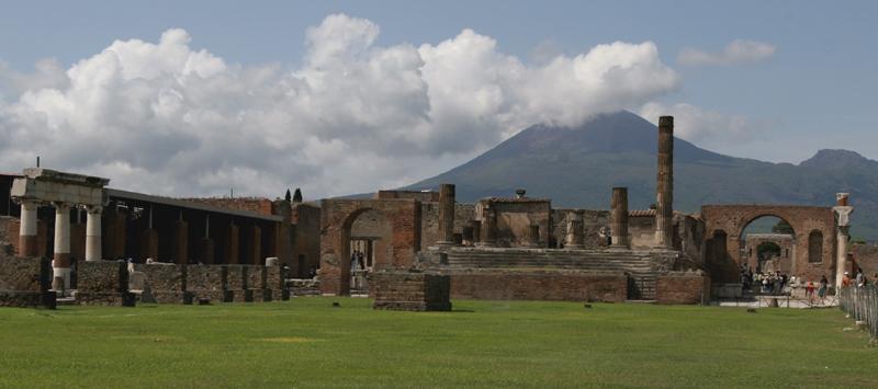 pompeii panoramicsmall.jpg