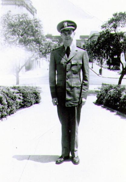 Lt jg Wayne J Eldredge, Lees Circle, New Orleans, LA, May 1944