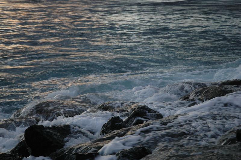 Hawaii - Ala Moana Beach Sunset-173.JPG