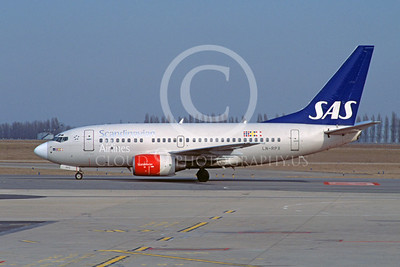 Scandanavian Airline Boeing 737 Airliner Pictures