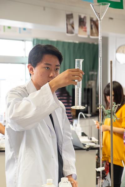 Grade 12 Science-Lab Work-ELP_2039-2018-19.jpg