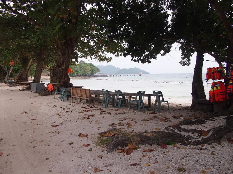 P1265705-gapang-beach-picnic-area.JPG