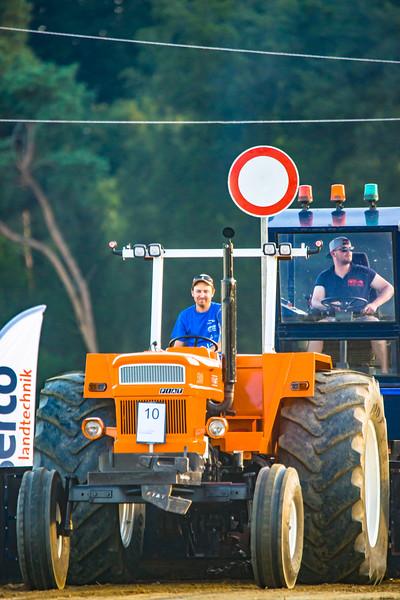 Tractor Pulling 2015-01652.jpg