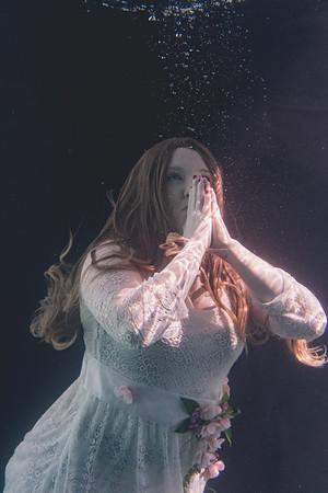 Jaime Underwater