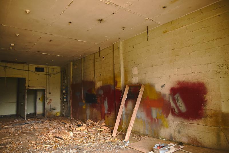 Abandoned-Spaces-5O0A4111.jpg