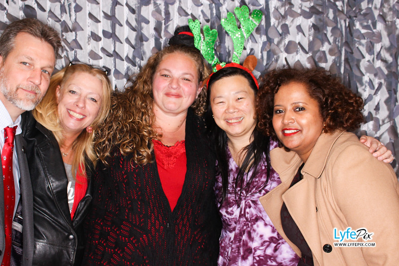 red-hawk-2017-holiday-party-beltsville-maryland-sheraton-photo-booth-0282.jpg