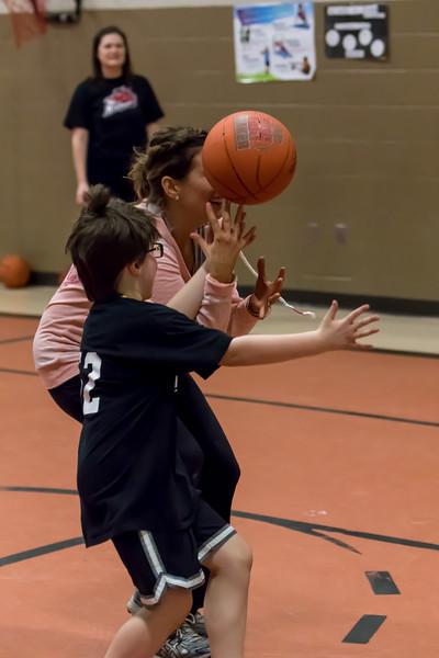 New Market Basketball Little People 22115