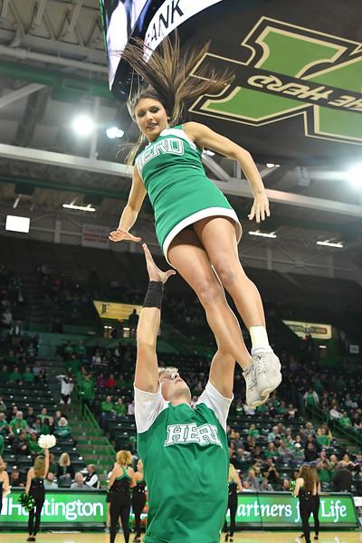 cheerleaders6731.jpg