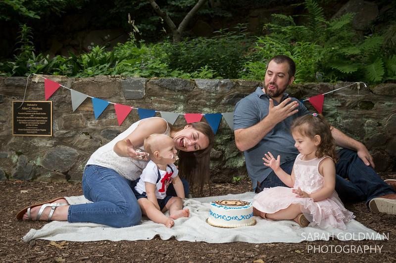 1st birthday cake smash northern va (7).jpg