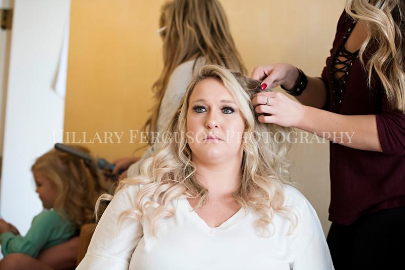 Hillary_Ferguson_Photography_Melinda+Derek_Getting_Ready129.jpg