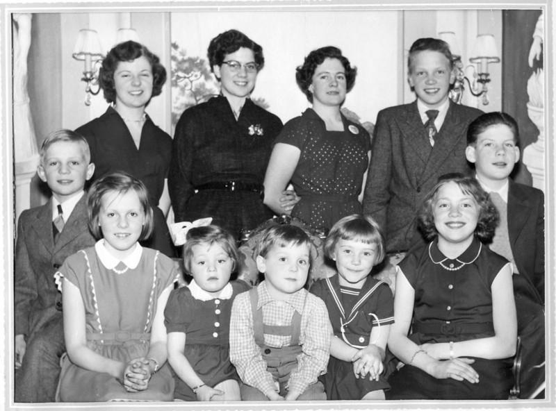 Pella Persson's Grandchildren 1955