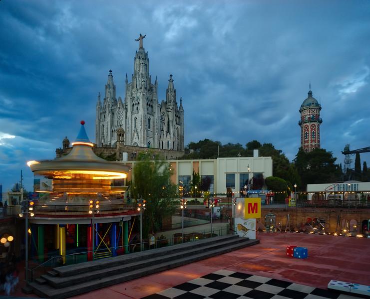 Day 14 - Barcelona - Familia (516 of 100)_HDR.jpg
