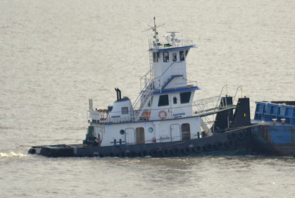 Eastern Dawn 1105 hd hrs  Southbound A true push boat