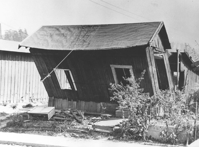 Slum dwelling in Los Angeles (Rosehill Courts), 1941