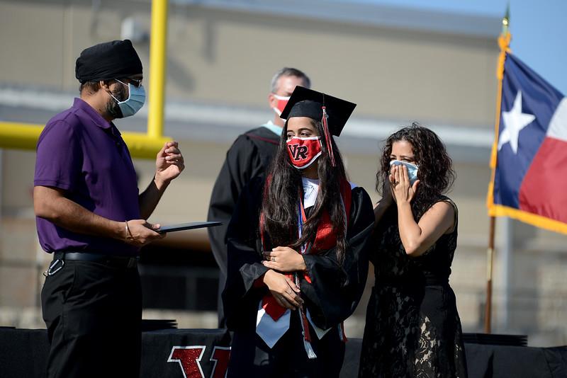 VRHS-Graduation_014.jpg