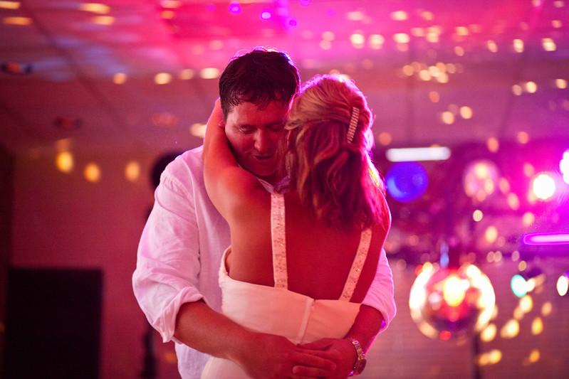 BAPemberton-Jefferson-City-MO-Wedding-Photographer-Meadow-Lake-Country-Club-08052011-12.jpg