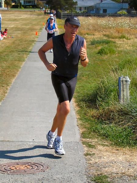 2005 Cadboro Bay Triathlon - img0120.jpg