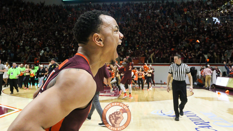 Justin Robinson reacts to the win immediately after the final buzzer. (Mark Umansky/TheKeyPlay.com)