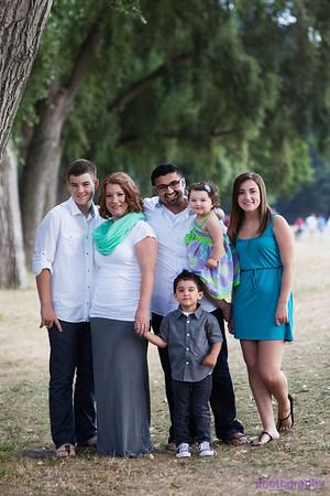 Mohammad Family shoot Golden Gardens