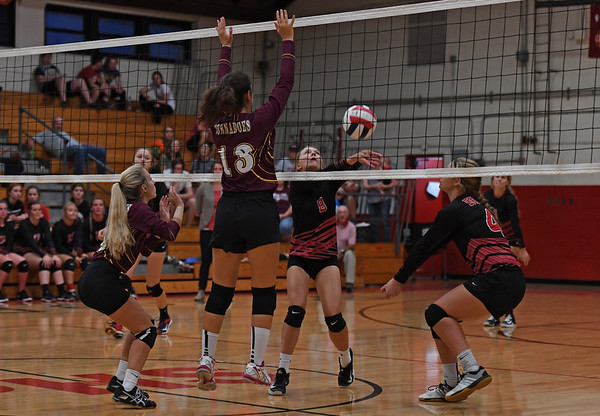 Saukee vs Tornado volleyball 2018