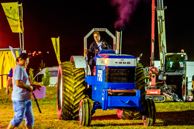 Tractor Pulling 2015-2304.jpg