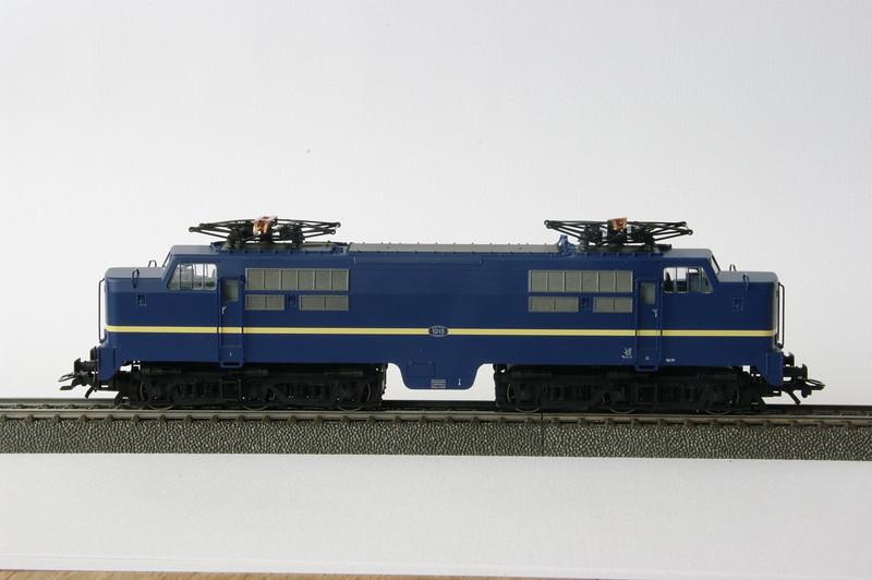 37121 NS 1215 1.JPG
