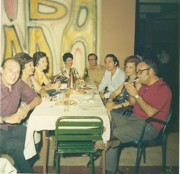 Dundo - Carnaval de 1974   Os Dores, os Fernandes, os Gradil e os Gameiro
