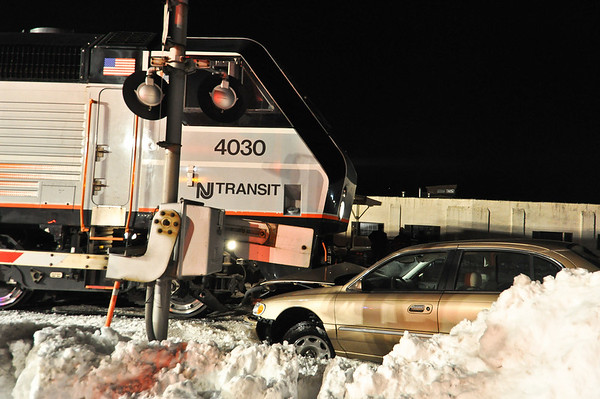 12-29-10 Ho-Ho-Kus, NJ Car Vs.Train: Hollywood Avenue Dalebrook Industrial Park Crossing