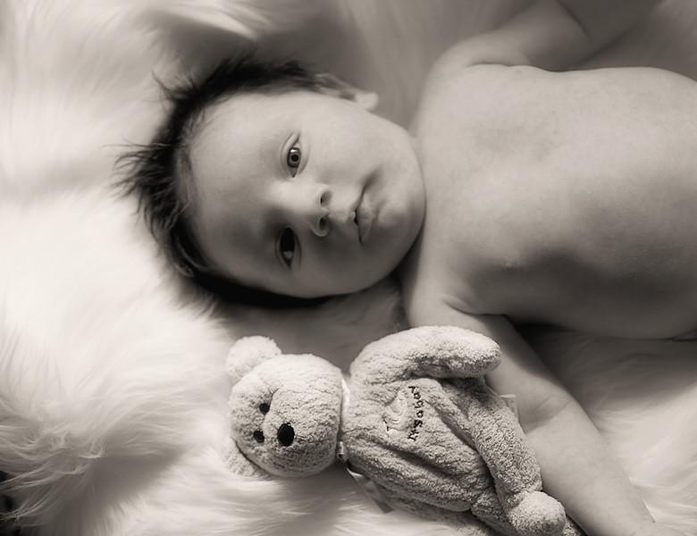 IMG_3025 Medel Newborn BW.jpg