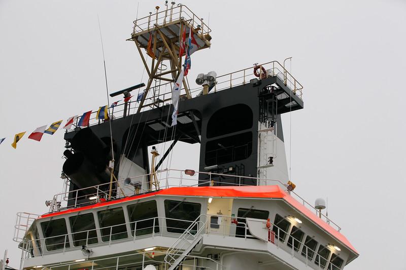 Das Schiffsinnere kann gegen giftige Gase aussen geschützt werden. Die Abgase werden funkensicher aufbereitet, wenn das Schiff