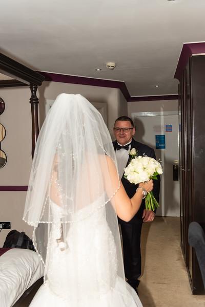 01 Bridal Prep-132.jpg