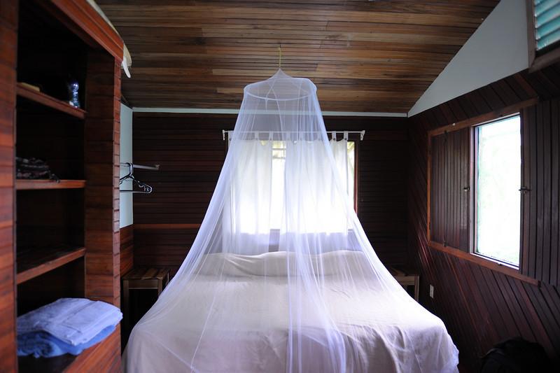 costa_rica_lodge_bedroom.jpg