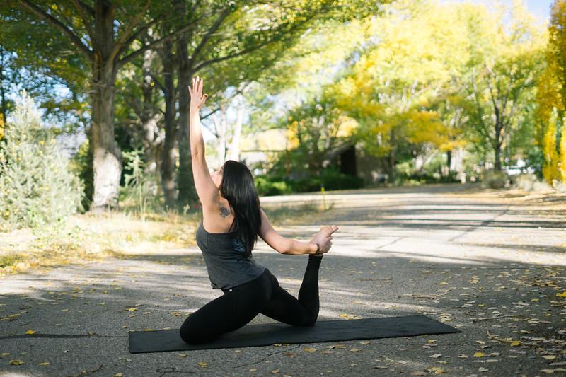 Toni Kuhn Yoga Photography Pine Mountain Club-61.jpg
