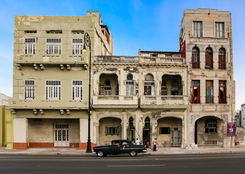Classic Cars on the Havana Malecon 2