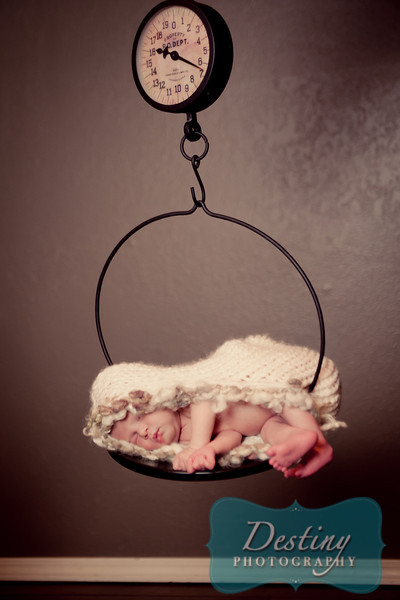 Less Family and Scarlet's Newborn Pix