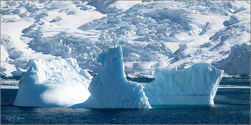 J85_5902 3 Icebergs 1x2 LPTr3W.jpg