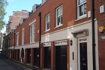 Charnwood- Wood Mews London W1 Mixed Hants Red